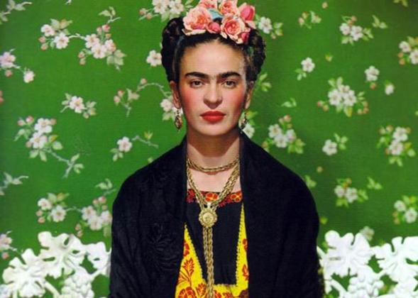 Frida-Kahlo-Wardrobe-in-La-Casa-Azul1